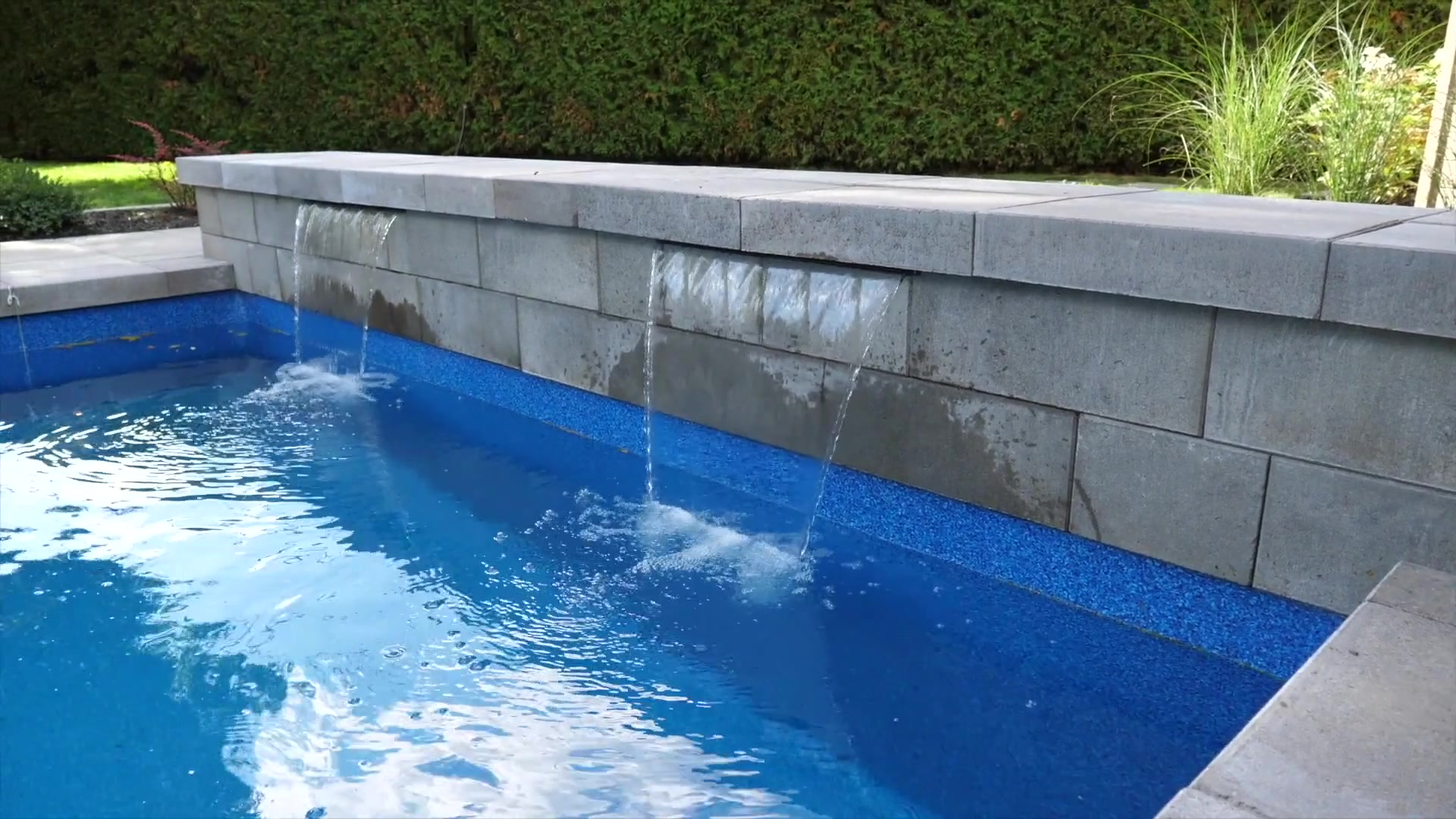Pavé & paysagiste Boisbriand - Résidentiel - Aménagement paysager - Lame d'eau