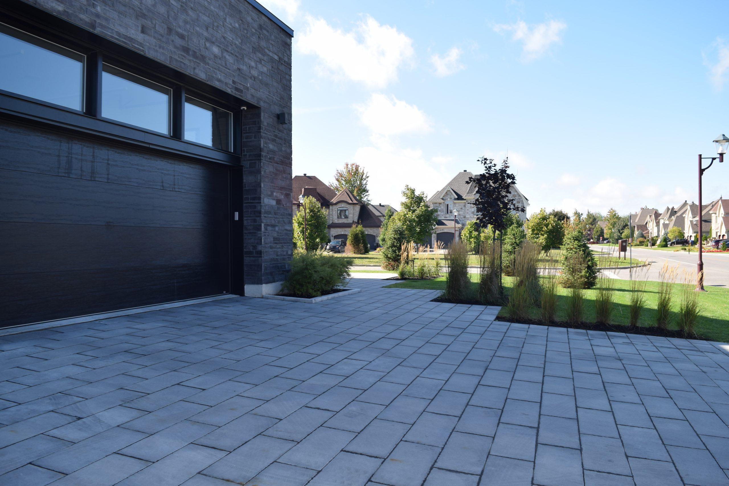 Pavé & paysagiste Boisbriand - Résidentiel - Aménagement paysager - Stationnement - Boisbriand
