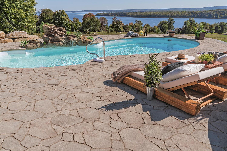 Résidentiel - Aménagement paysager - Piscine et lame d'eau - Boisbriand